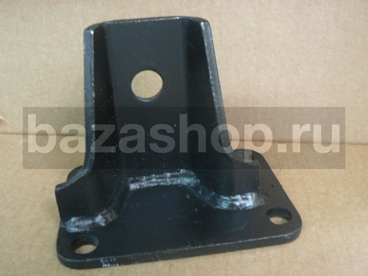 Engine's front support bracket, right  (40524) / 40524.1001014